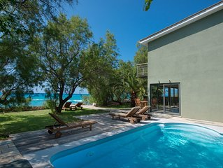MILOS BAY VILLAS- LUXURY PRIVATE VILLA ON THE BEACH!