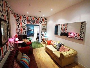 Cardiff Bay Lodge - Five Bedroom Apartment, Sleeps 20