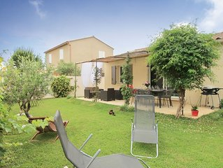 Au Pied des Tours - A lovely holiday house on walking distance from Chateaurenar