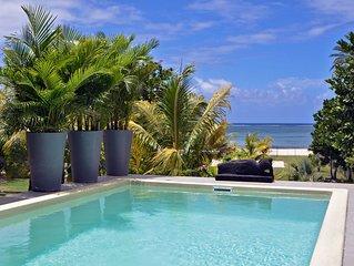 Riambel: Villa Antema, piscine, pied dans l'eau plage a l'infini wifi gratuit
