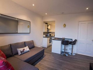 Stylish 1 Bedroom Flat in Prime Central Location
