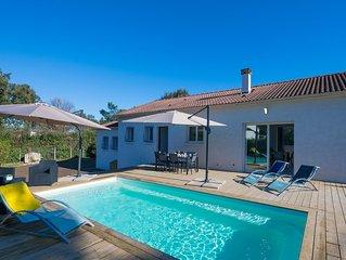 Maison individuelle 3 chambres avec piscine situee entre mer et montagne