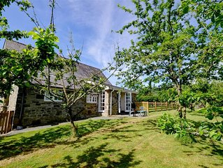 Little Bettws is a small annexe to the owner's converted Victorian Schoolhouse h