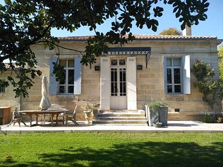Villa Charlotte. Magnifique propriété de 280m² à proximité de  Bordeaux.