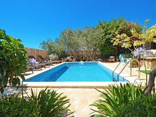 LUXURY VILLA w/ private Pool&Garden for 10+2 in Trogir, Okrug Gornji