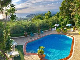 Appartamento panoramico con piscina e vista panoramica sul porto e baia di Forio
