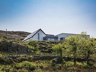 Baybridge House, Sky Road - sleeps 8 guests  in 3 bedrooms