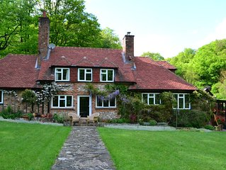 Large English Cottage, Near Henley-On-Thames, Nestled In Wooded Valley