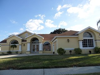 Beautiful lakeside view villa, 3 bed/3bath with private heated pool