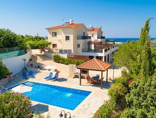 Villa Hera: Large Private Pool, Walk to Beach, A/C, WiFi, Eco-Friendly