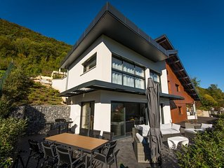 Modern Villa with view on the lake of Annecy