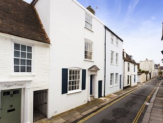 Beautiful historic 4 bed house by the sea for family hols and romantic getaways