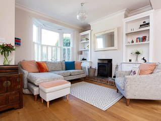 Vintage-style home located in South West London with a lovely garden (veeve)