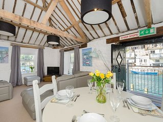 Stunning property for four in the heart of Looe with fabulous views.