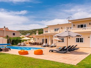 6 bedroom Villa, sleeps 12 with Pool, Air Con and FREE WiFi