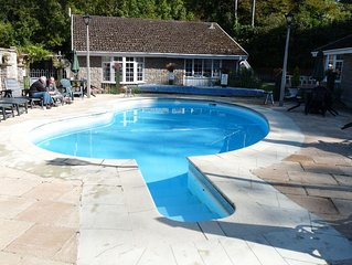 'Moles Chamber' nr. Looe & Polperro. Quiet Site. Communal Heated Pool.Free WiFi