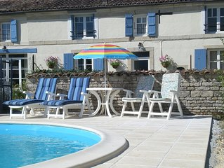 Helianthus  Superb Studio Gite with pool
