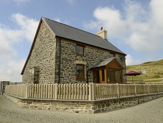 Ty ar y Mynydd - Three Bedroom House, Sleeps 6