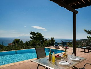 Stunning and elegant Cottage with Private Pool perfect for a romantic getaway fo