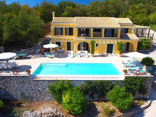 Stylish, Secluded Villa With Large Infinity Pool Stunning Views Across To Albani