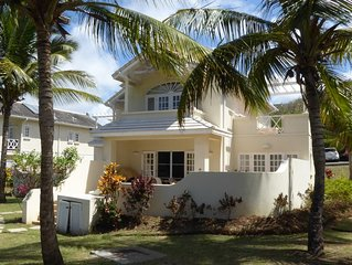 Luxury Golf Villa, plunge pool, 5 mins walk from beach/facilities