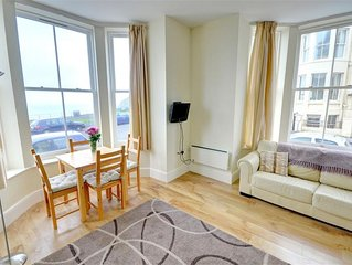 Castle View - One Bedroom House, Sleeps 2