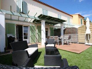 Villa avec jardin proche de la mer