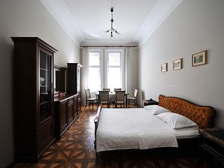 4-room Central King Danylo Monument Flat