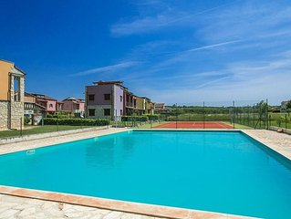 Apartment Paradise with shared Pool and Tennis Court near Poreč