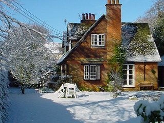 New Year's Eve break available at Uplay Cottage, New Forest. Close to beaches