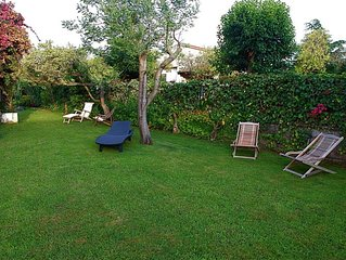 LA DOLCE VILLA: a charming Mediterranean place with a beautiful relaxing garden