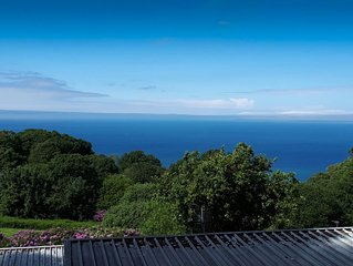 STUNNING SEA VIEWS AND COMFORTABLE ACCOMONDATION IN HEAVENLY NORTH DEVON.