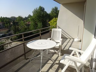 Appartement T2 45m² + 11m² terrasse dans résidence avec piscine à 15' d'Avignon
