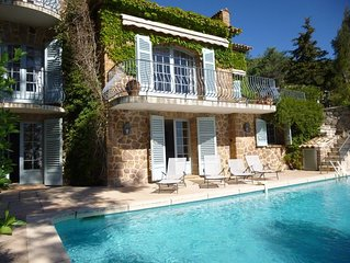 Superb provencal bastide for rent in Miramar with pool, magnificent view and 6 b