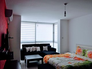 Large studio in Central Girne with Rooftop Pool