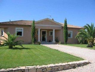Villa CLIMATISEE, PROCHE D ORANGE ET D AVIGNON