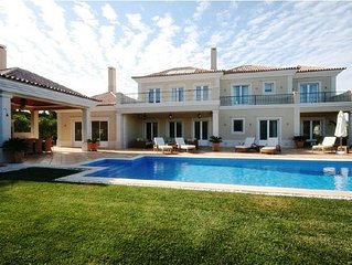 Luxury 5 Bedroom Villa close to Quinta do Lago shopping plaza QA14