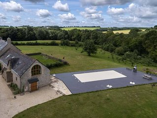 Beautiful Manor House, with pool in the countryside