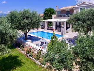 Villas Armeno-Evangelia. Modern Luxury Villa (3 bedrooms)with sea view