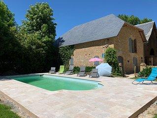 Beauté de Sarrazac, charmant huis voor 12 personen met privé verwarmd zwembad