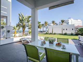 Beachfront Villa Less Than 50 Meters To All Amenities And Sandy Beaches
