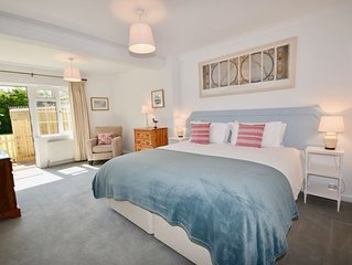 An Immaculate, Spacious bungalow, dog friendly, only 400 yards from the beach.