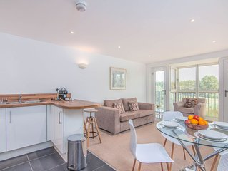 Comfortable 2 bedroom, 2 bathroom apartment near Stansted Airport