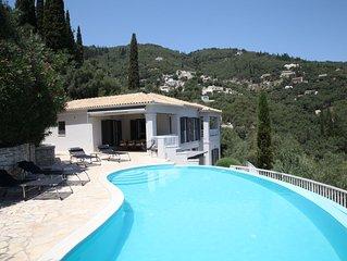 Villa Agni, Contemporary villa in excellent location just 200 meters from Agni B