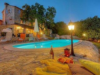 Villa Stefani - stone villa with pool