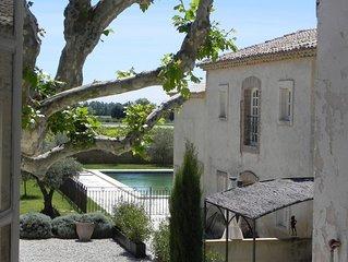 Splendid apartment in centuries old Provence farmhouse