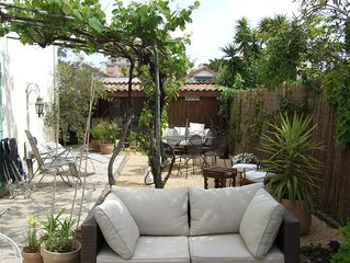 LA NAPOULE Lovely Garden Studio by The Sea facing S/W so plenty of sun