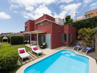 SPECTACULAR VILLA WITH PRIVATE HEATED POOL