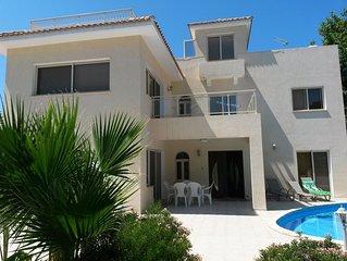 Villa Svetlana With Private Pool Above The Beach