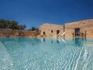 Casa Salina, Villa con piscina nelle campagne di Scicli.Vicino spiaggia Sampieri